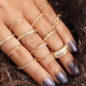 Jewelry - 12 Piece Vintage Midi Ring Set